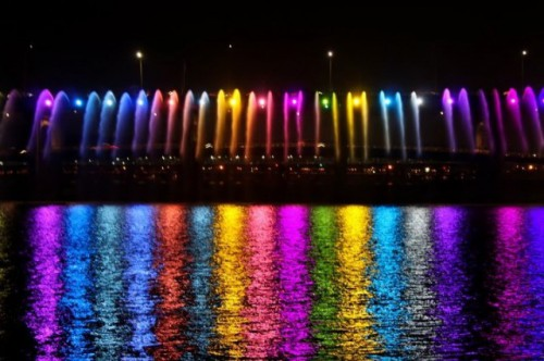 Rainbow-Fountain9-640x426