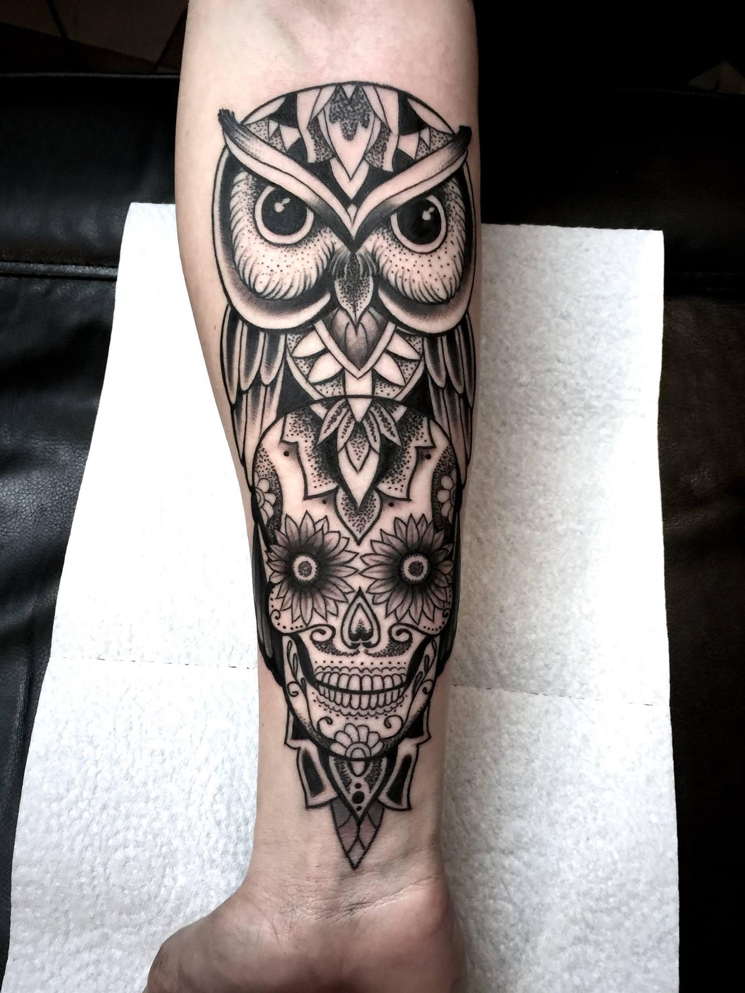 tattoo motive eulen tier schablone glser gravieren plotten tattoo vorlagen eulen bilder. Black Bedroom Furniture Sets. Home Design Ideas